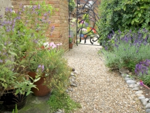 Alleyway to Gleaners Cottage