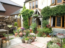 Gleaners Cottage Courtyard and Entrance