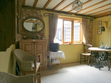 Private Sitting Room in Gleaners Cottage